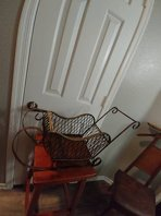 Photo Brass metal sleigh with gold braided top