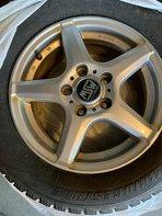 Photo Bridgestone Blizzak Tires and Wheels