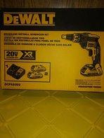 Photo Dewalt drywall screw gun kit