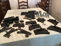 Photo Lionel Vintage O Metal Trackswitchesand other accessories also 7Plastic O track