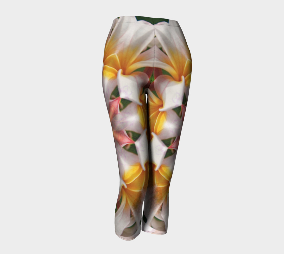 The Heart Knows Frangipani Capris preview #1