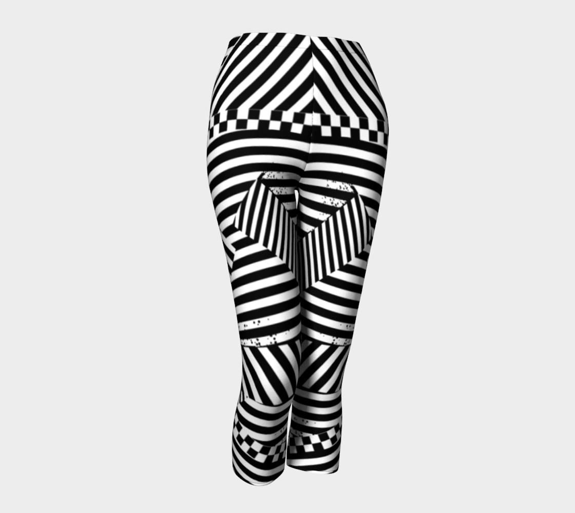 Aperçu de Black White Stripes Checkerboard Grunge Capri Leggings #1