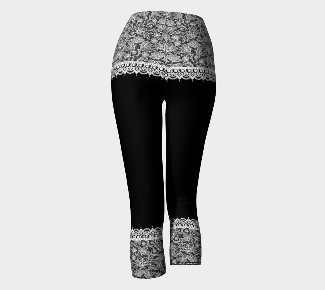 Aperçu de Black and White Mehndi Lace Capris #4