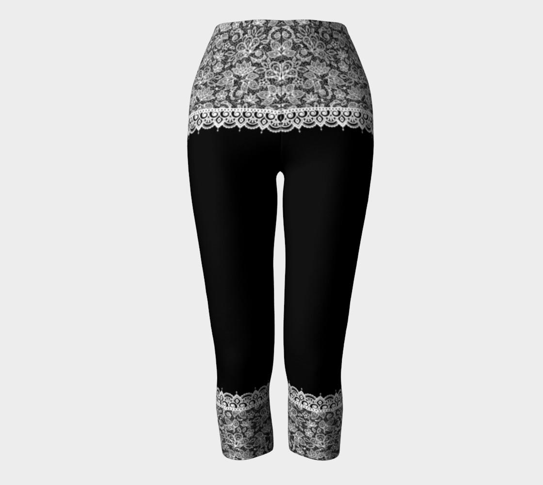 Aperçu de Black and White Mehndi Lace Capris #2