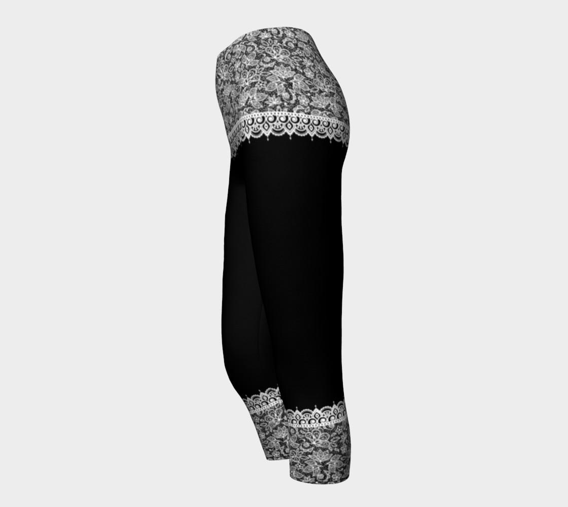 Aperçu de Black and White Mehndi Lace Capris #3