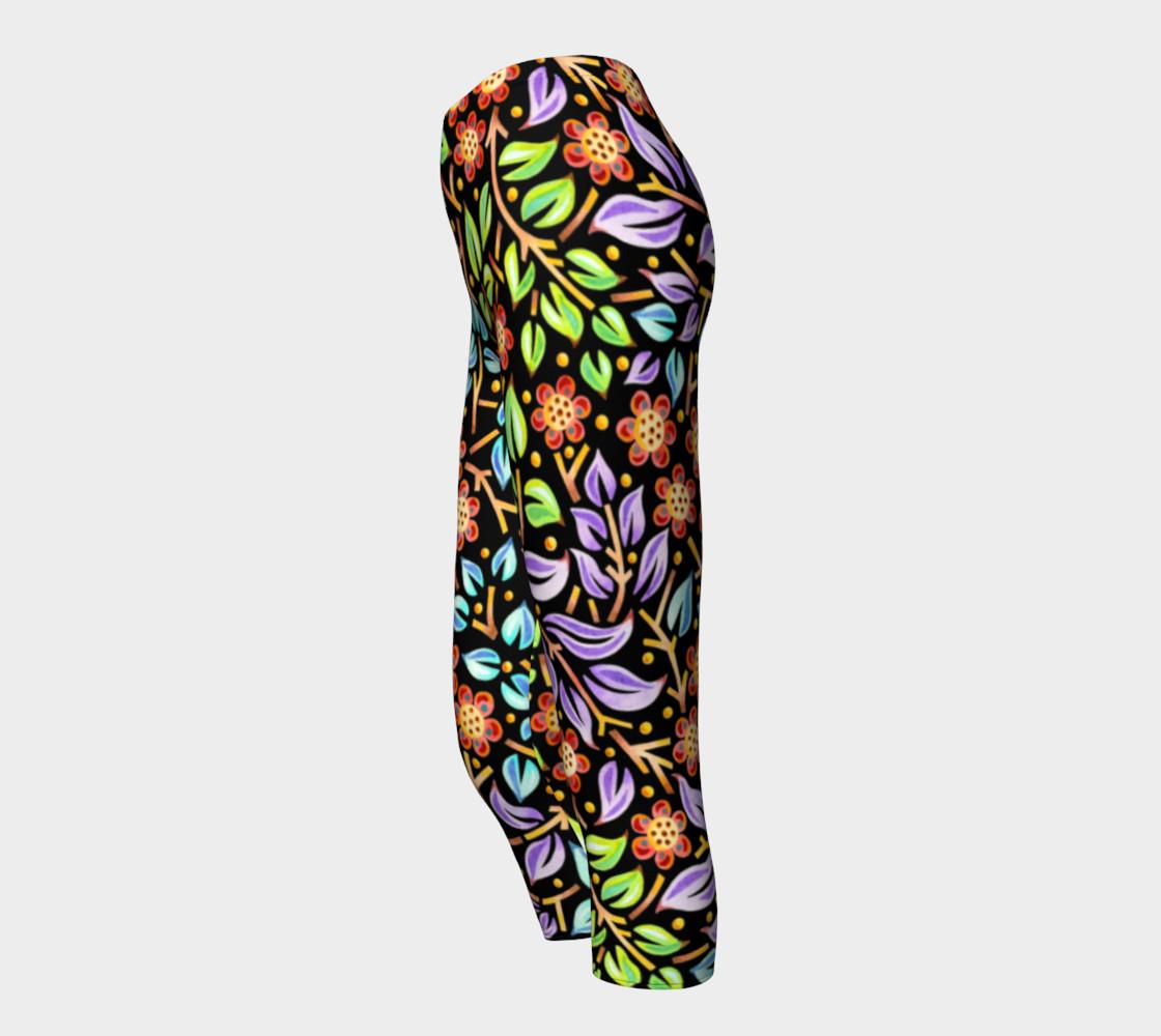 Filigree Floral Capri Leggings preview #3