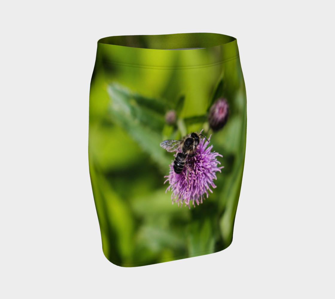 A Bee on a Purple Flower Fitted Skirt preview #1