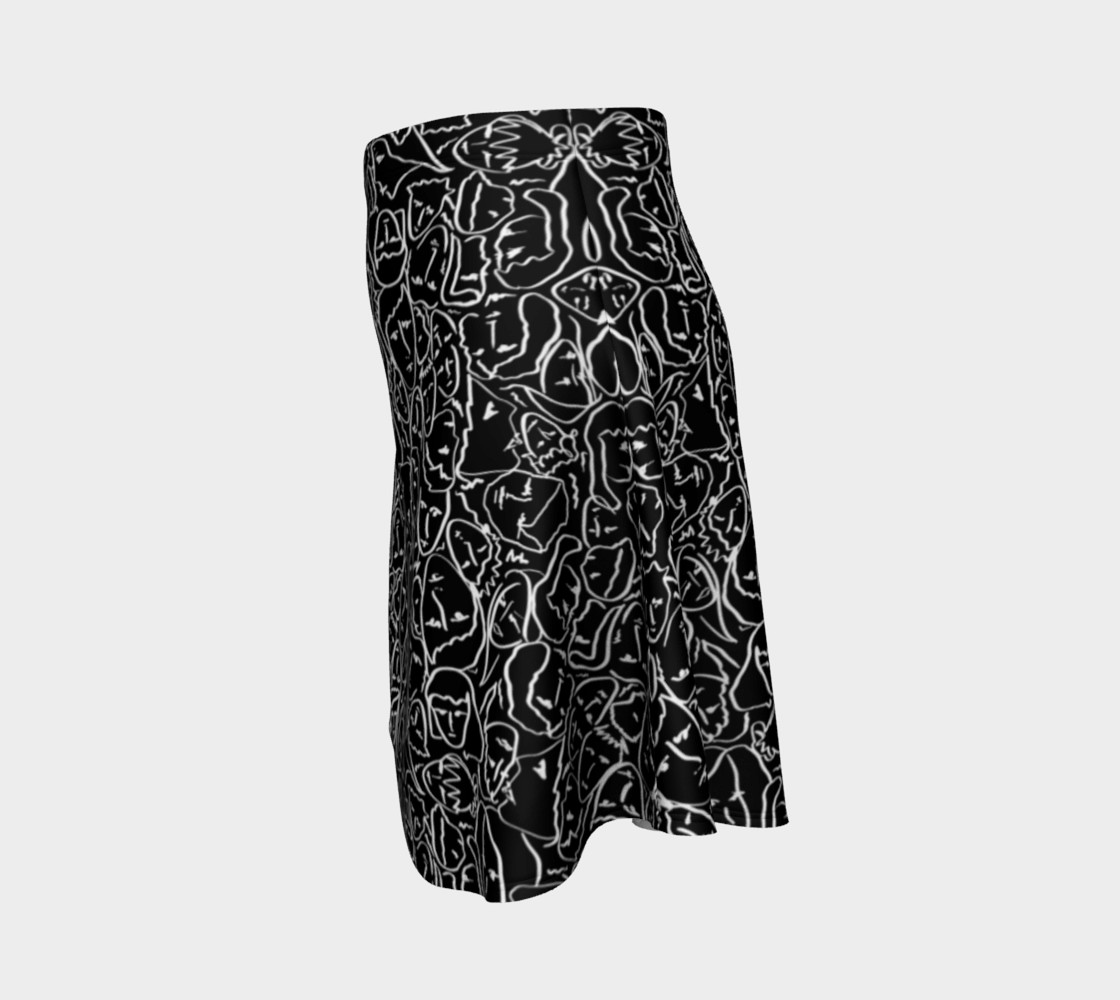 Aperçu de Elio's Shirt Faces in White Outlines on Black Crying Scene #2