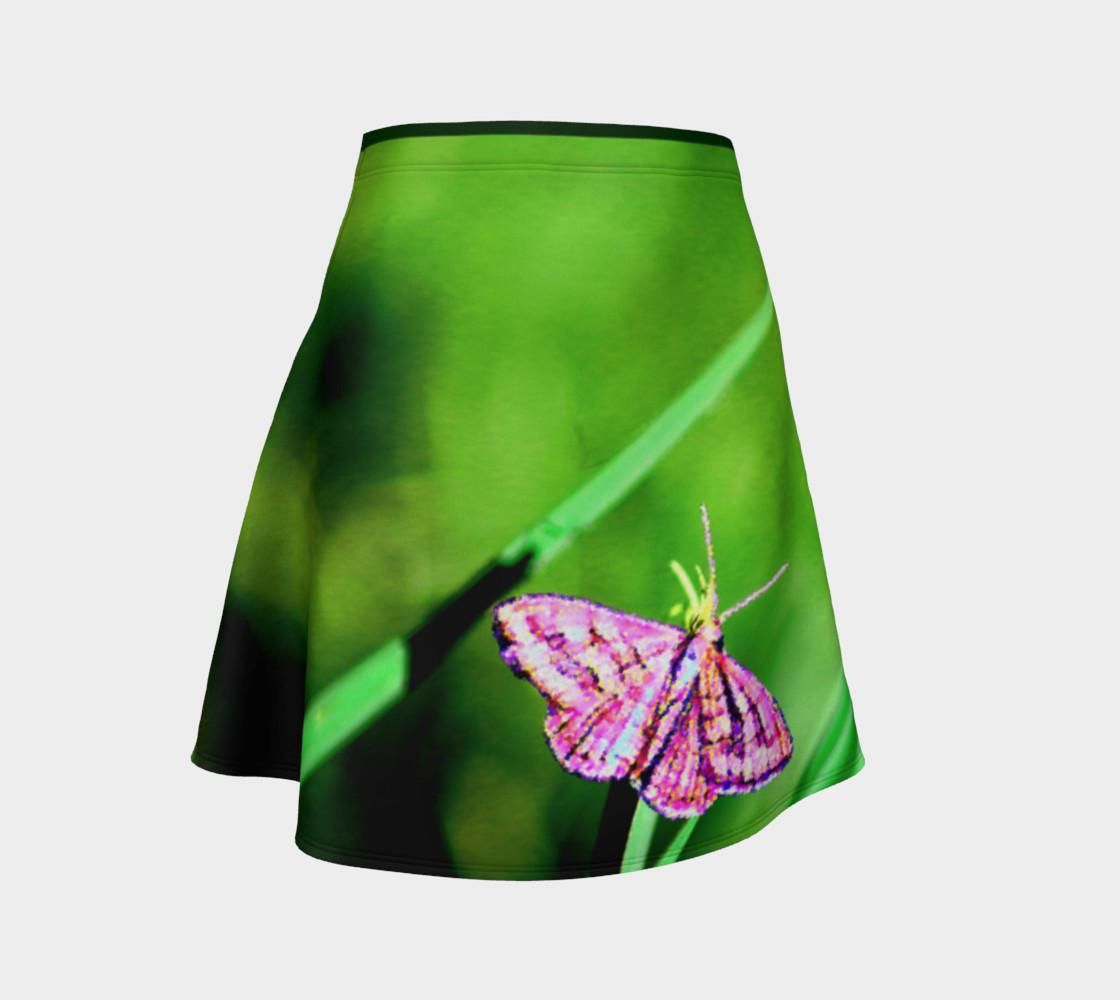 Aperçu de Butterfly on Grass Skirt #1