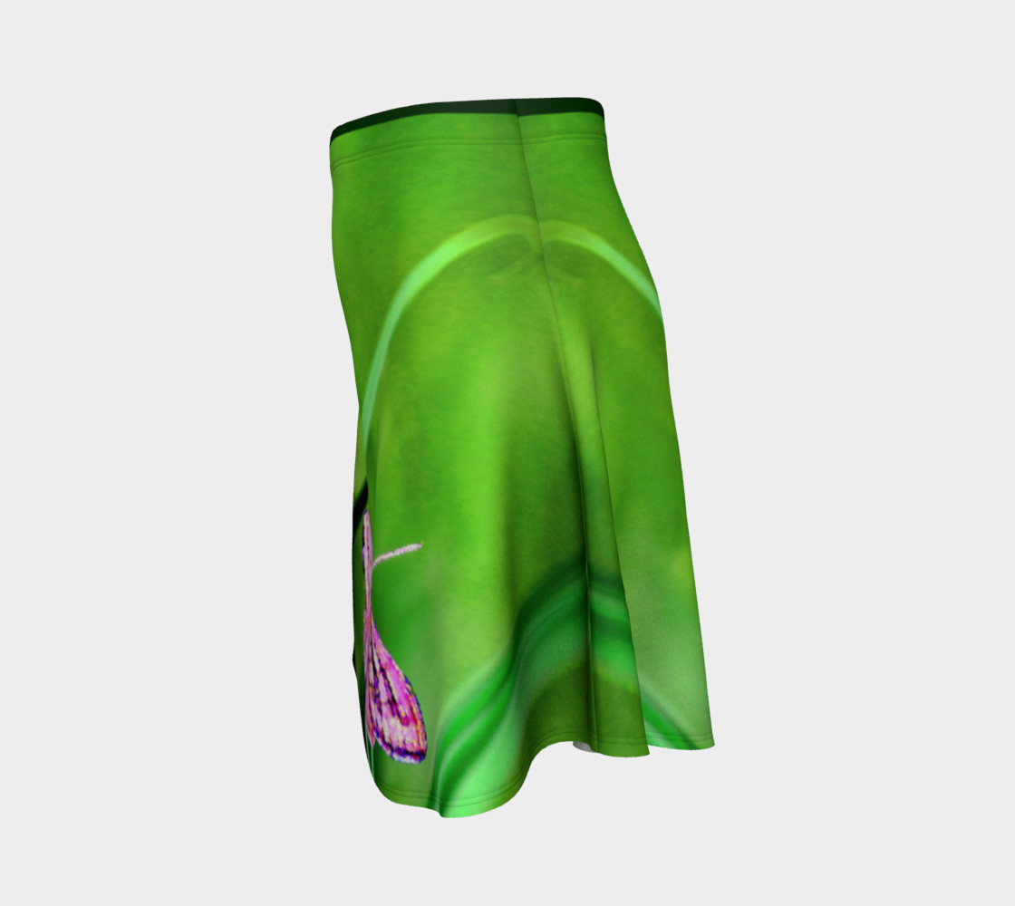 Aperçu de Butterfly on Grass Skirt #2