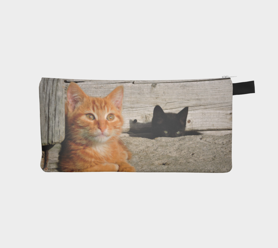 Observing Kitties Pencil Case 3D preview