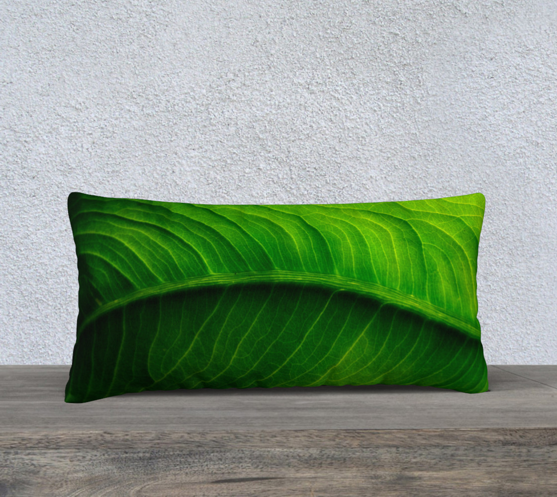 Aperçu de Green Elephant Ear Leaf Pillow #1