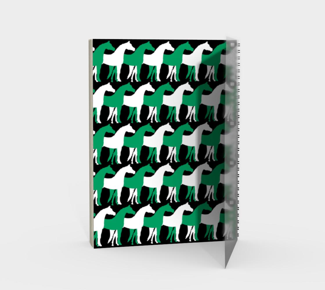 Aperçu de Shamrock Green and White Overlapping Horses on Black #2