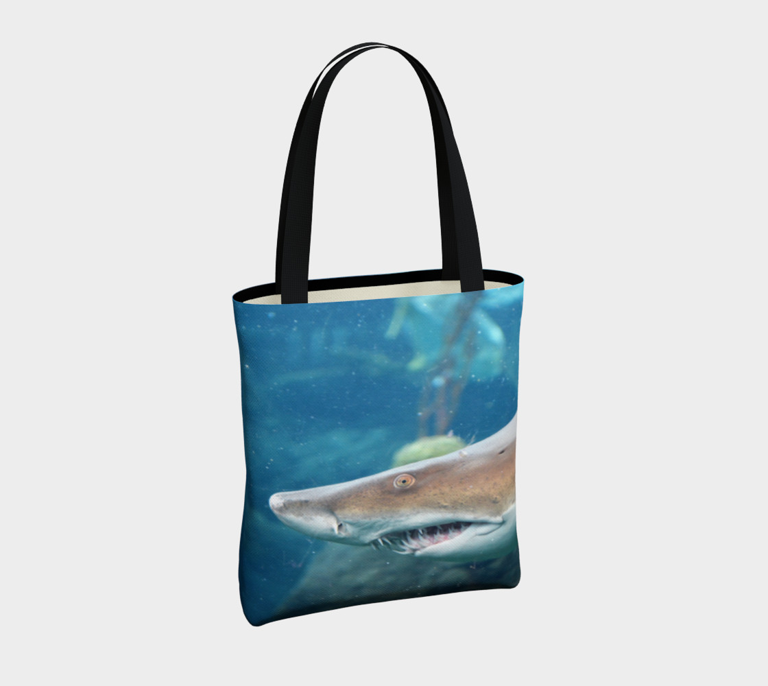 Shark Tote Close Up preview #4