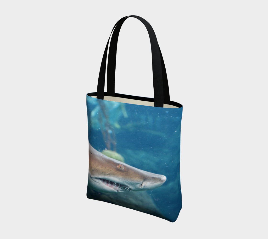 Shark Tote Close Up preview #3