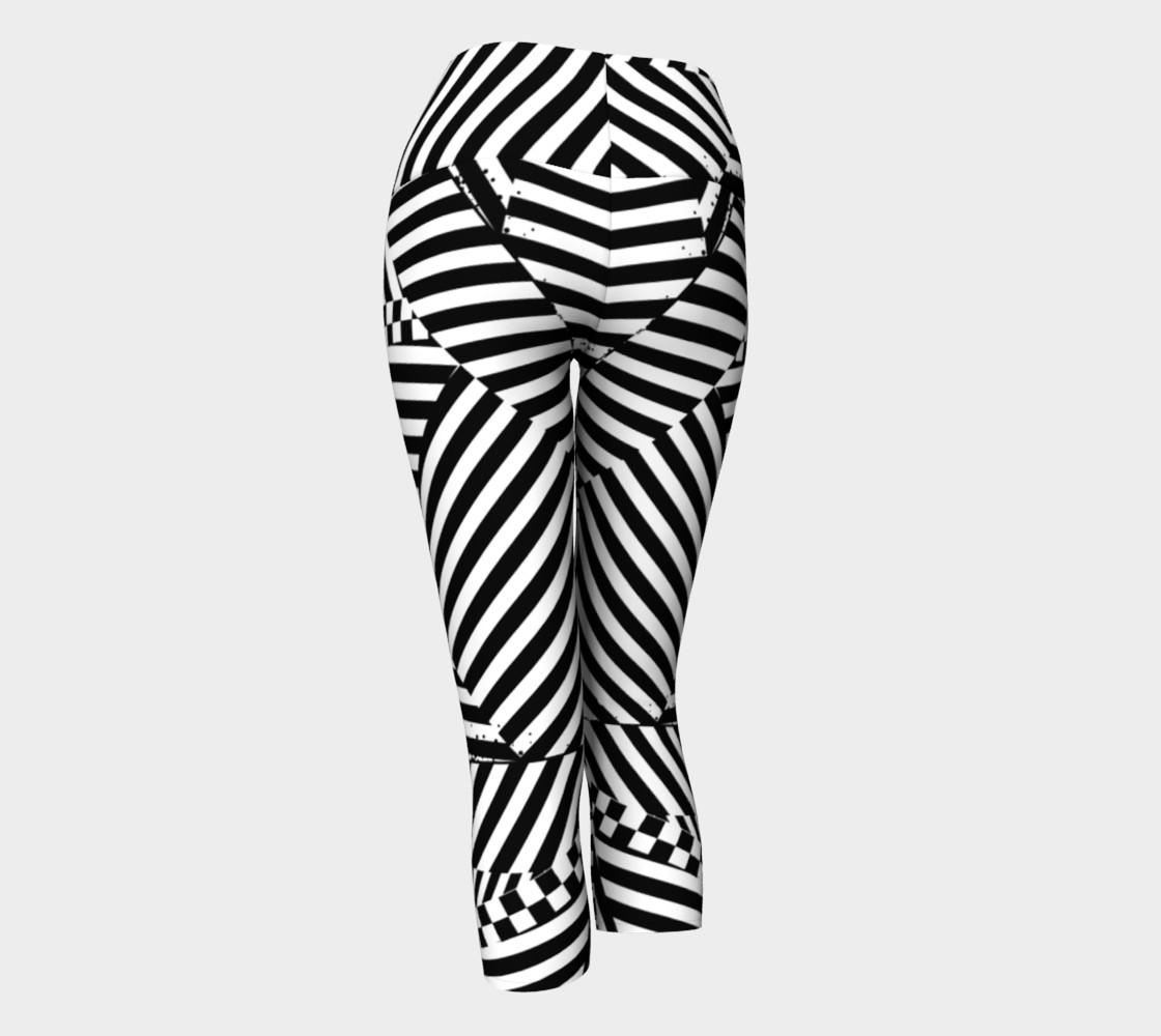 Aperçu de Black White Stripes Checkerboard Patchwork Capri Yoga Pants #3