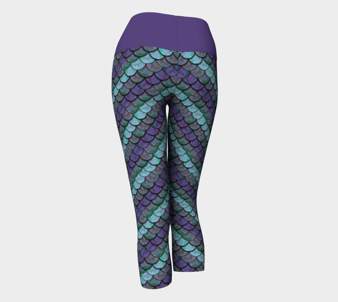 Opalescent Mermaid Scale Capris preview #3