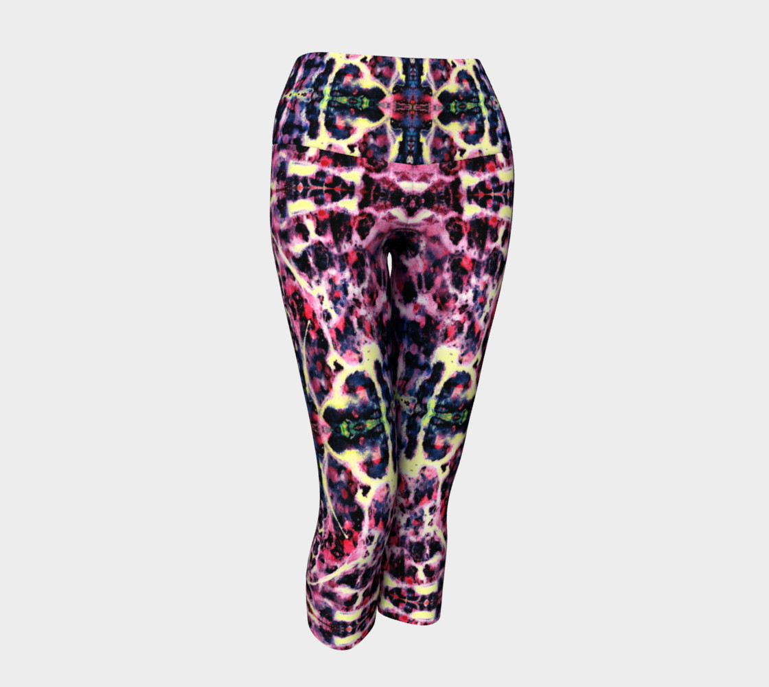 Amethyst Marble Cross Yoga Capris 3D preview