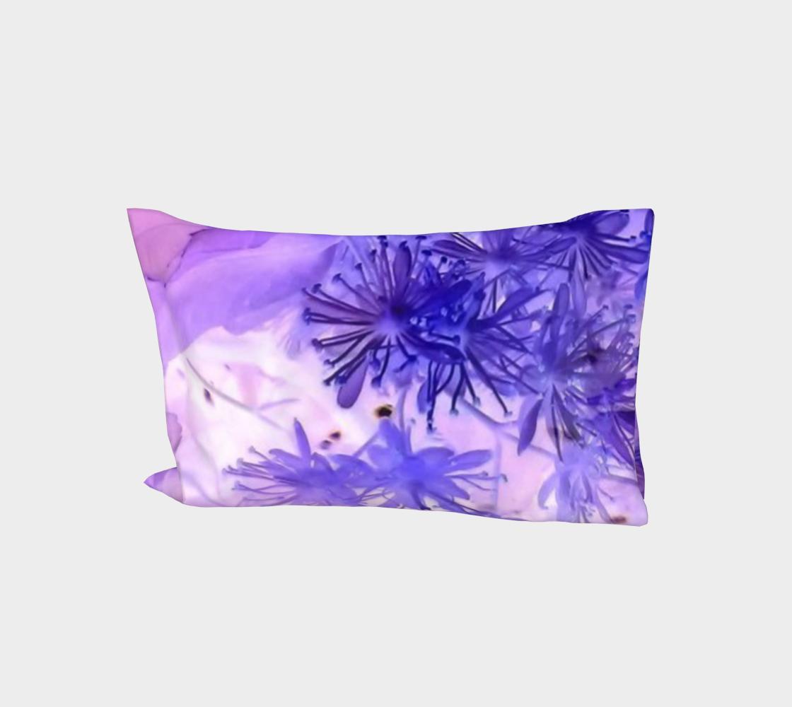 Purple outlandish flowers aperçu