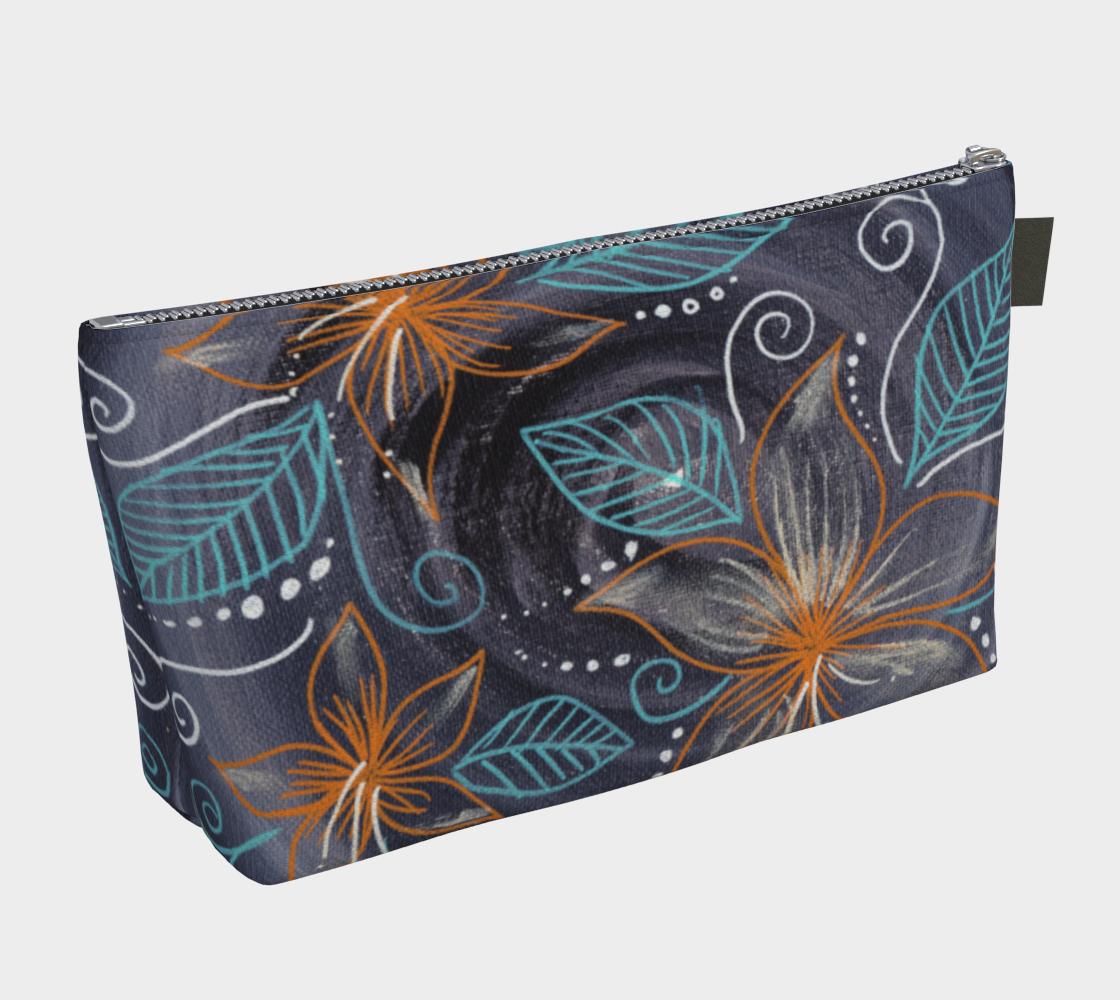 Flora makeup bag preview #2
