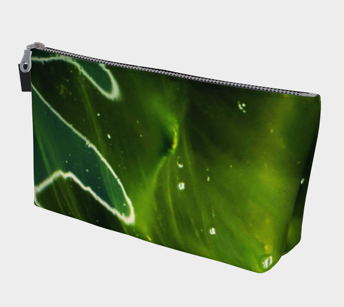 Aperçu de Green Algae and Water Makeup Bag