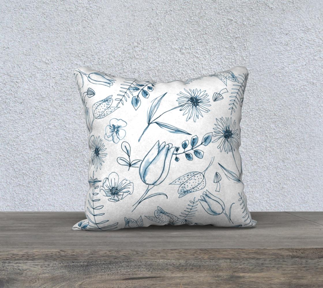 Aperçu de blue woodland floral cover 18x18