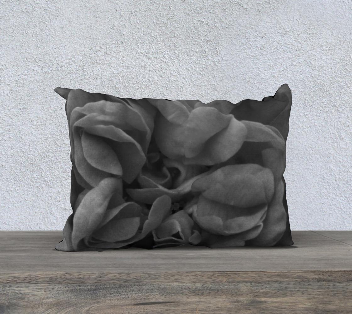 Aperçu de Black Rose Pillow  20X14 160527a