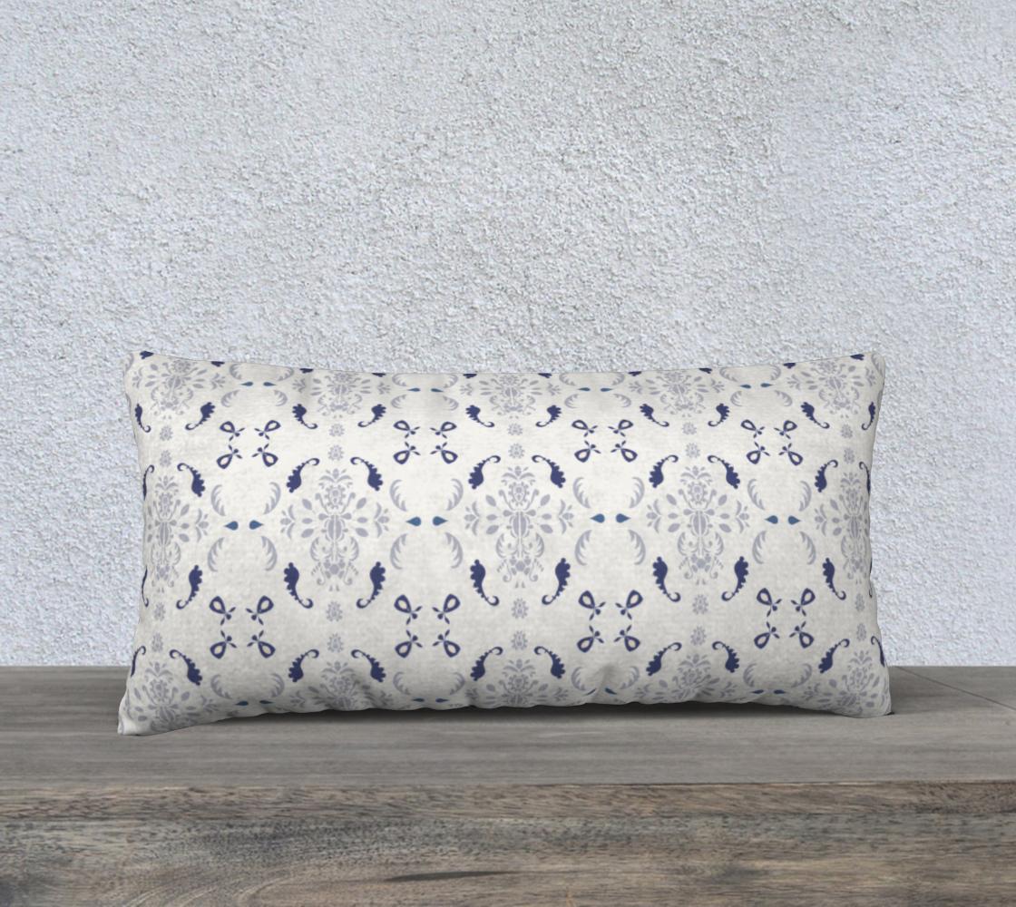 Aperçu de White and blue damask cover