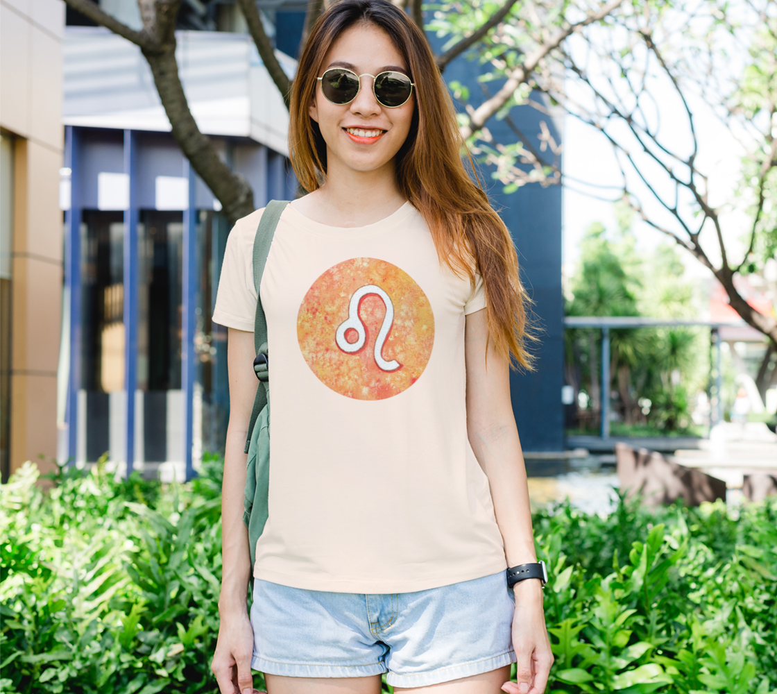 Leo astrological sign Women's Tee preview
