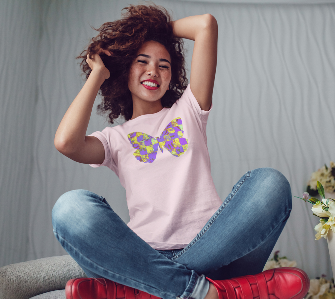 Aperçu de Butterfly in Yellow and Purple Womens Tee #3