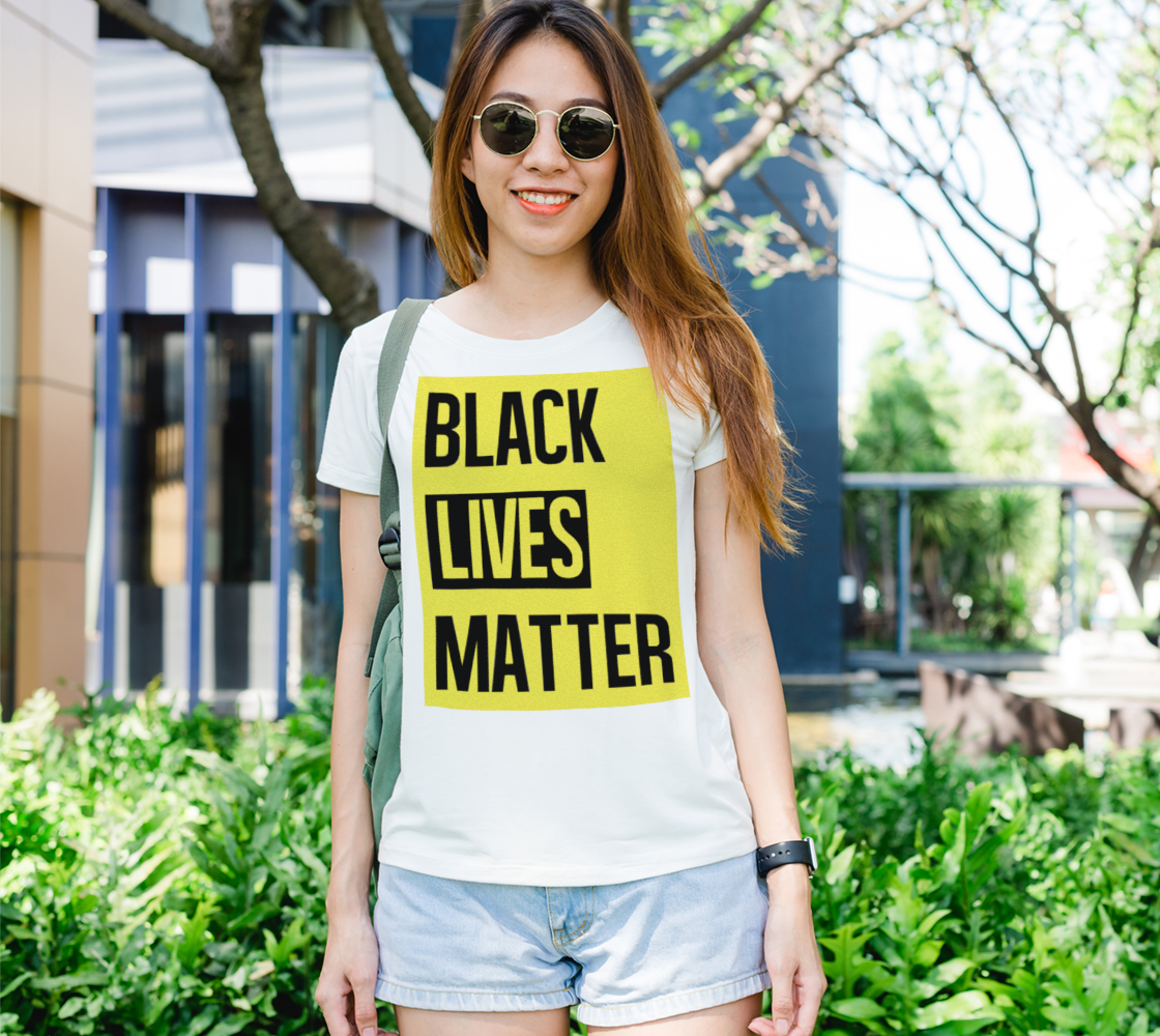 Aperçu de Black Lives Matter Bold Quote Yellow Background Women's Tee, AOWSGD
