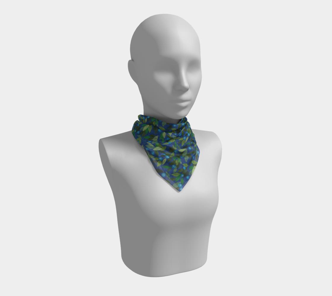 Aperçu de Blue Berries Green Leaves Papercut Pattern Silk Scarf