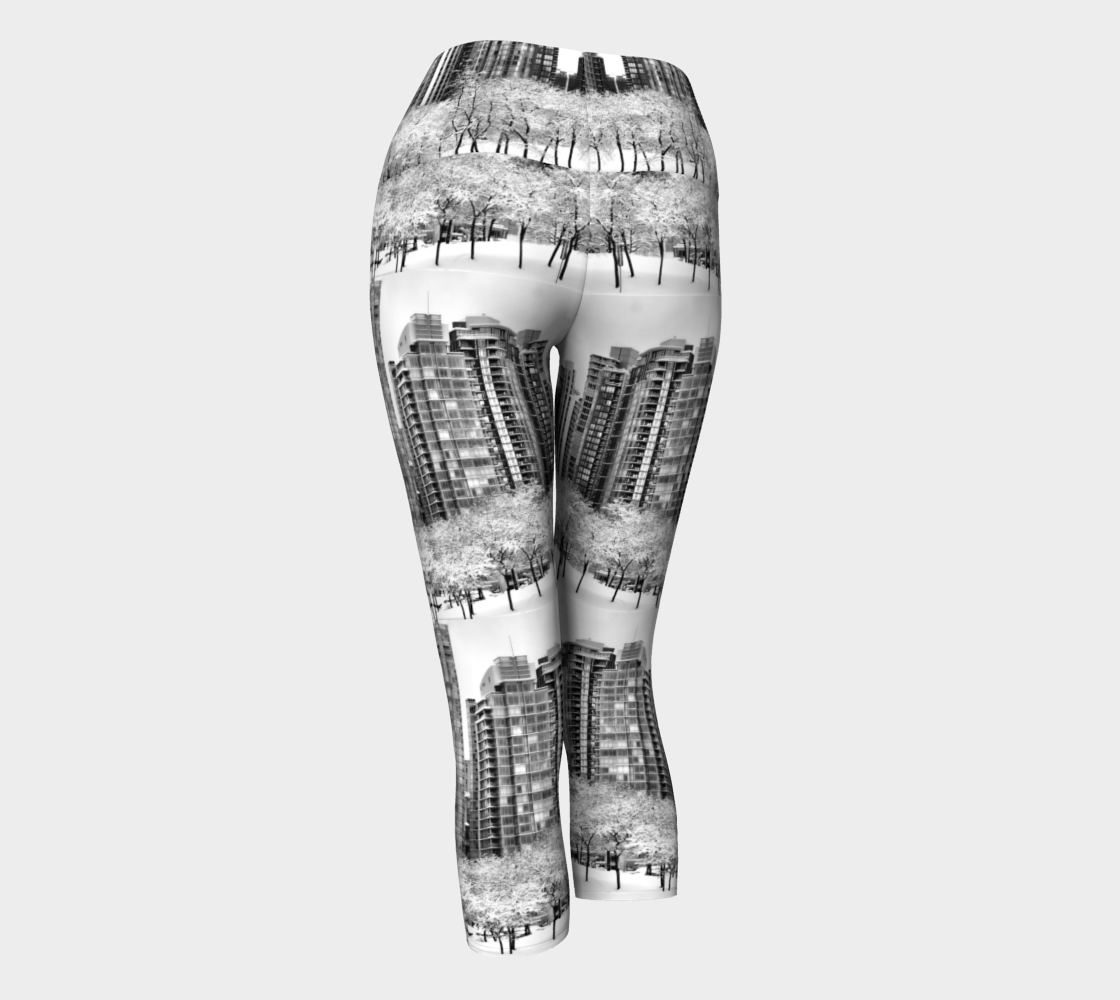 Snow In The City Yoga Capris preview #3