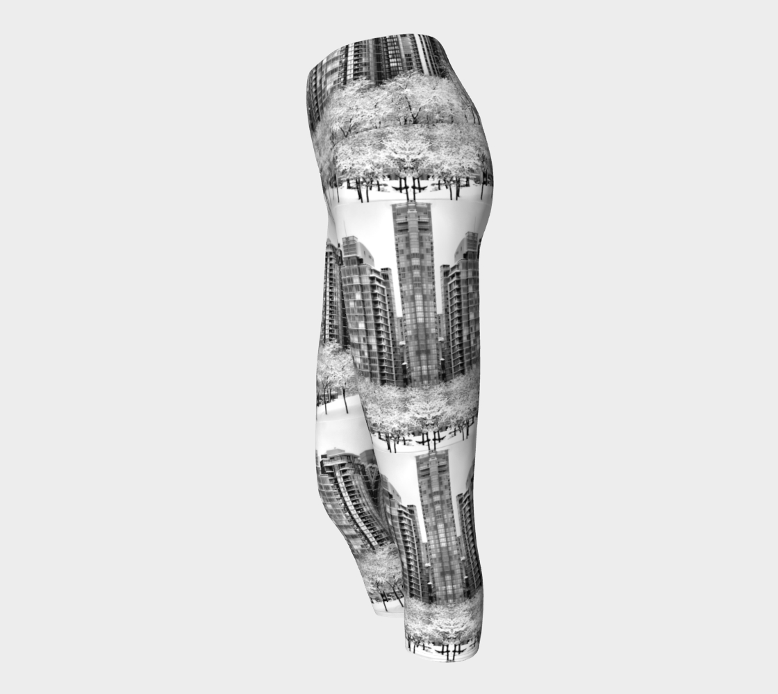 Snow In The City Yoga Capris preview #2