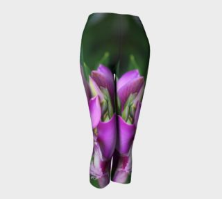 Purple Myrtle Finial Flower Capris leggings preview