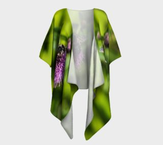 Aperçu de A Bee on a Purple Flower Draped Kimono