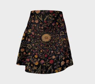 Aperçu de Medieval Flowers on Black Flare Skirt
