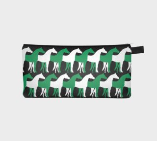 Aperçu de Shamrock Green and White Overlapping Horses on Black