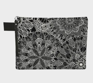 Black and White Mandala Pattern Carry All preview