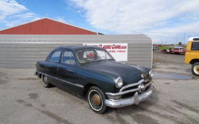 Photo 1950 Ford Custom 4DR Sedan