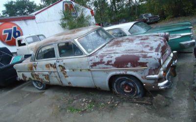Photo 1954 Ford Crestline 4 DR