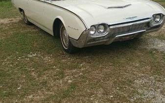 Photo 1961 Ford Thunderbird