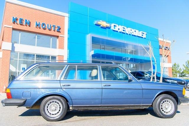 Photo 1980 Cadillac Escalade ESV Premium