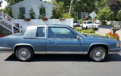 Photo 1986 Cadillac Deville Base 2DR Coupe