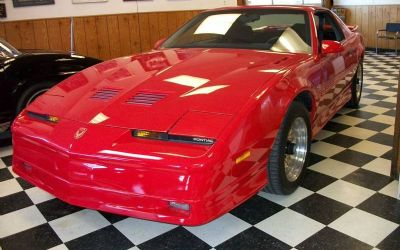 Photo 1987 Pontiac Firebird Trans AM GTA 2DR Hatchback