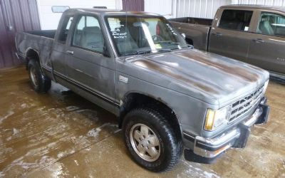 Photo 1988 Chevrolet S10 Pickup EXT Cab 4WD
