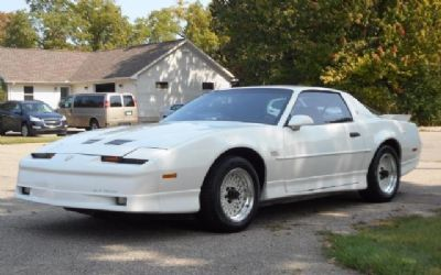 Photo 1988 Pontiac Firebird Trans AM GTA Hatchback