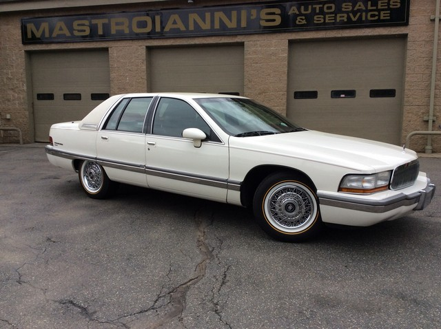 Photo 1992 Buick Roadmaster Limited