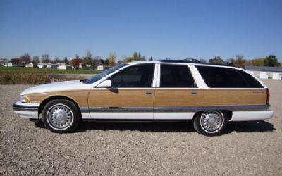 Photo 1995 Buick Roadmaster Estate Wagon