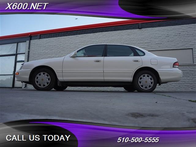 Photo 1996 Toyota Avalon XL